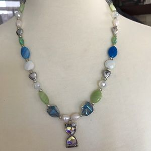 Jewelry - Hour Glass & Hearts Necklace
